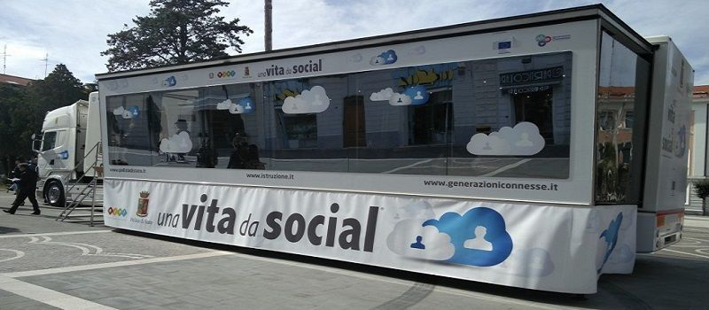 progetto-una-vita-da-social
